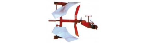 Aratri usati per trattori e motocoltivatori